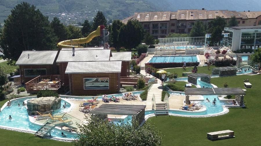 Chez constance bed breakfast chambre hotel saillon for Hotel des bains saillon